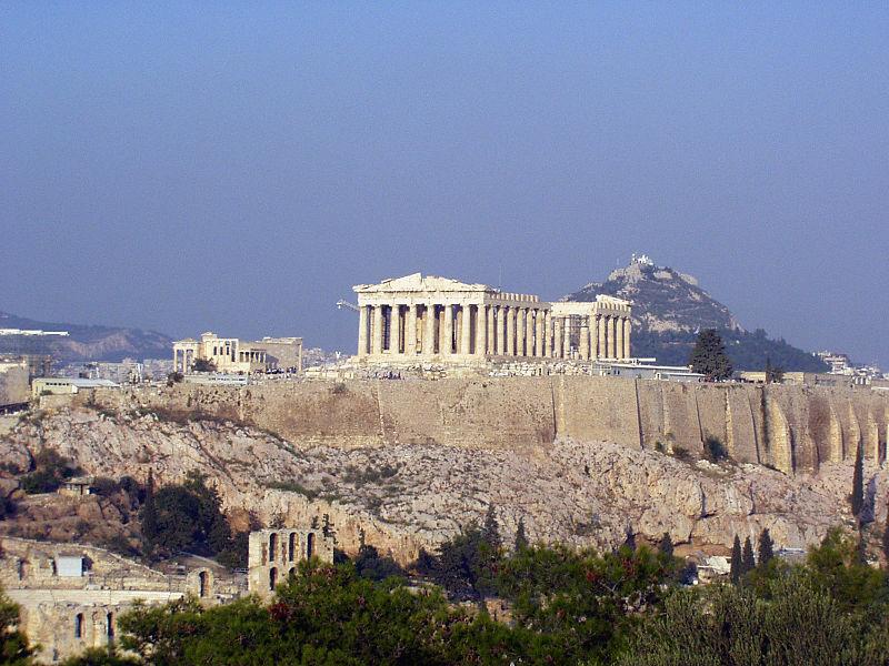 Parthenon på Akropolis i Athen. Først hedensk tempel viet Athene. Deretter kirke viet Jomfru Maria fra 450 e.Kr. Så moské fra 1456 e.Kr.