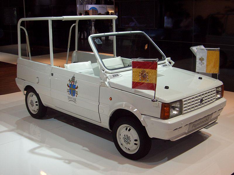 220px-Seat_Panda_1980-1985_Papamobil_Madrid_1982_frontright_2008-03-28_A