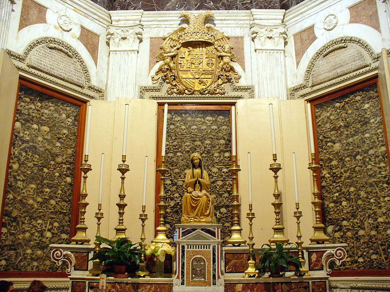Levningene av de 800 martyrene i katedralen i Otranto. Foto: Laurent Massoptier - Wikimedia Commons.